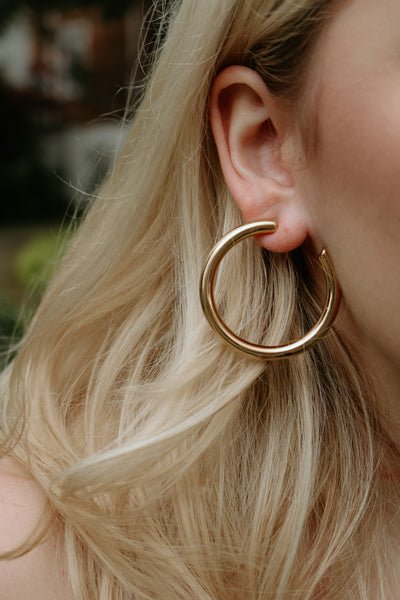 ellie vail: cecile thick hoop earring - gold