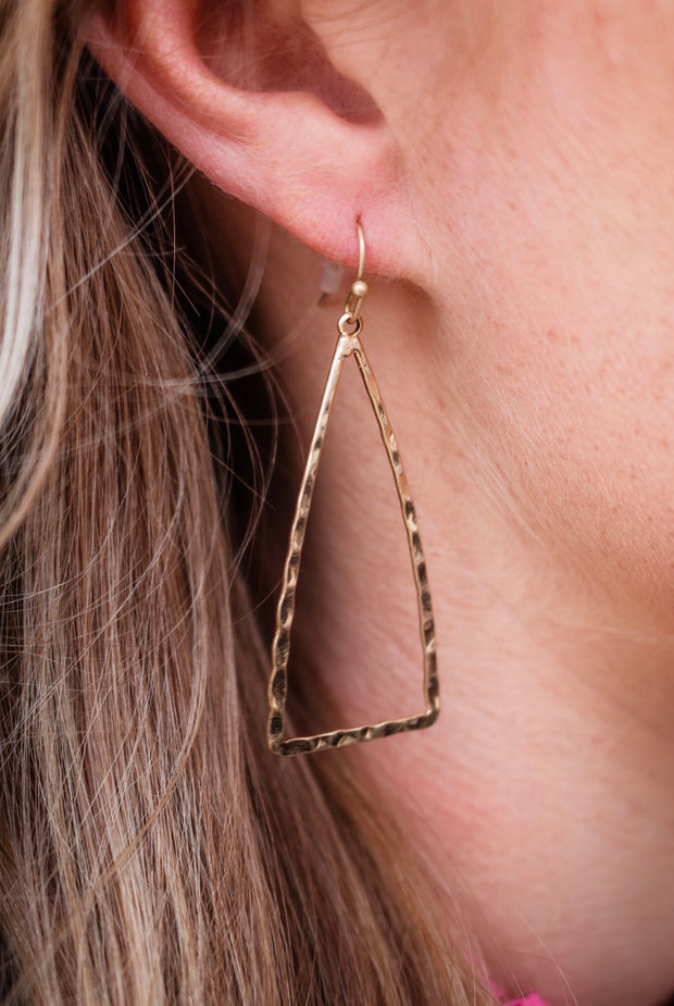 the ada triangle earring - gold