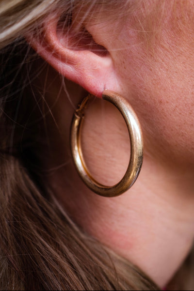 the ava hoop earring - gold