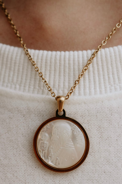 ellie vail: bryce shell coin necklace - gold