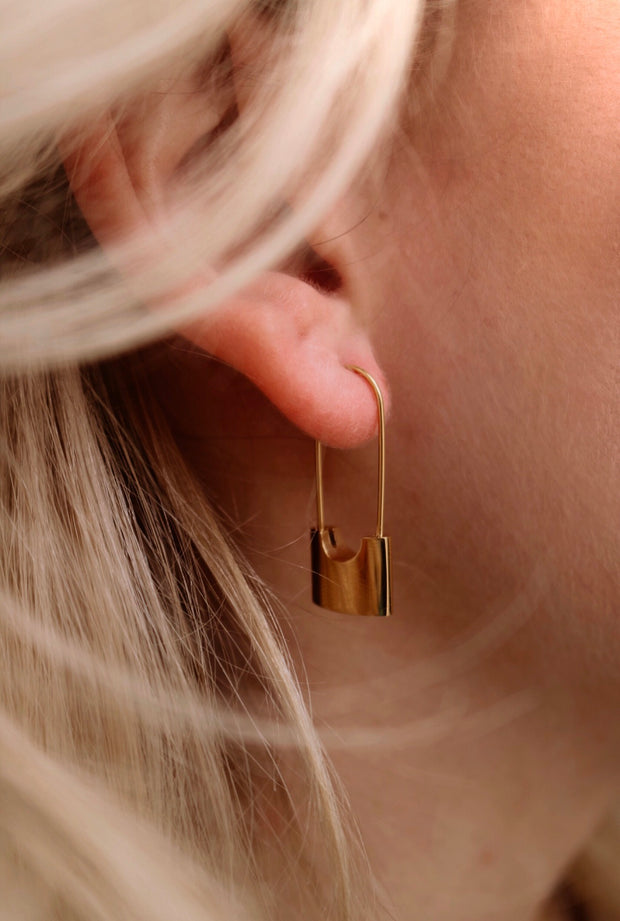 ellie vail: londyn lock earring - gold