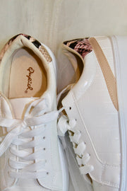 the moody sneaker - cream