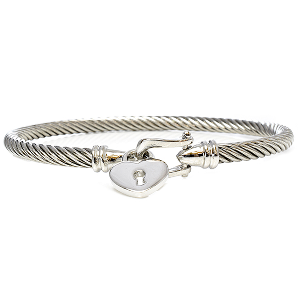 Twisted Cable Bracelet Adorned with a Heart Charm