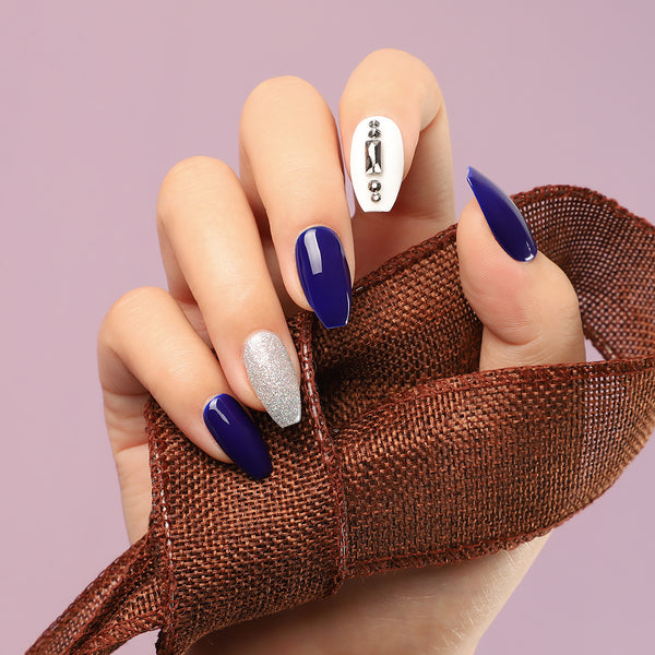 5 Back-to-School Nail Designs That Are All About School Spirit