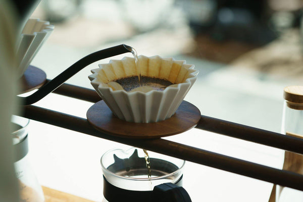 Origamic Dripper - Size Medium with wood holder - Rocanini Coffee Roasters