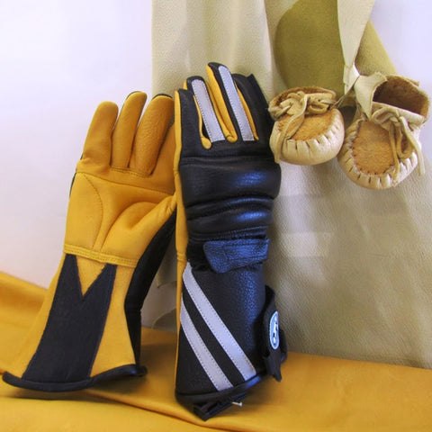 Helimot's padded palm and soft deerskin