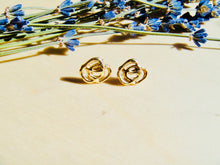 Load image into Gallery viewer, Rose Post earrings