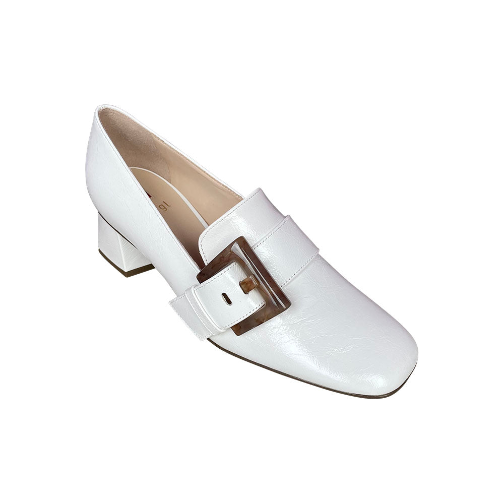 105421- White Loafer