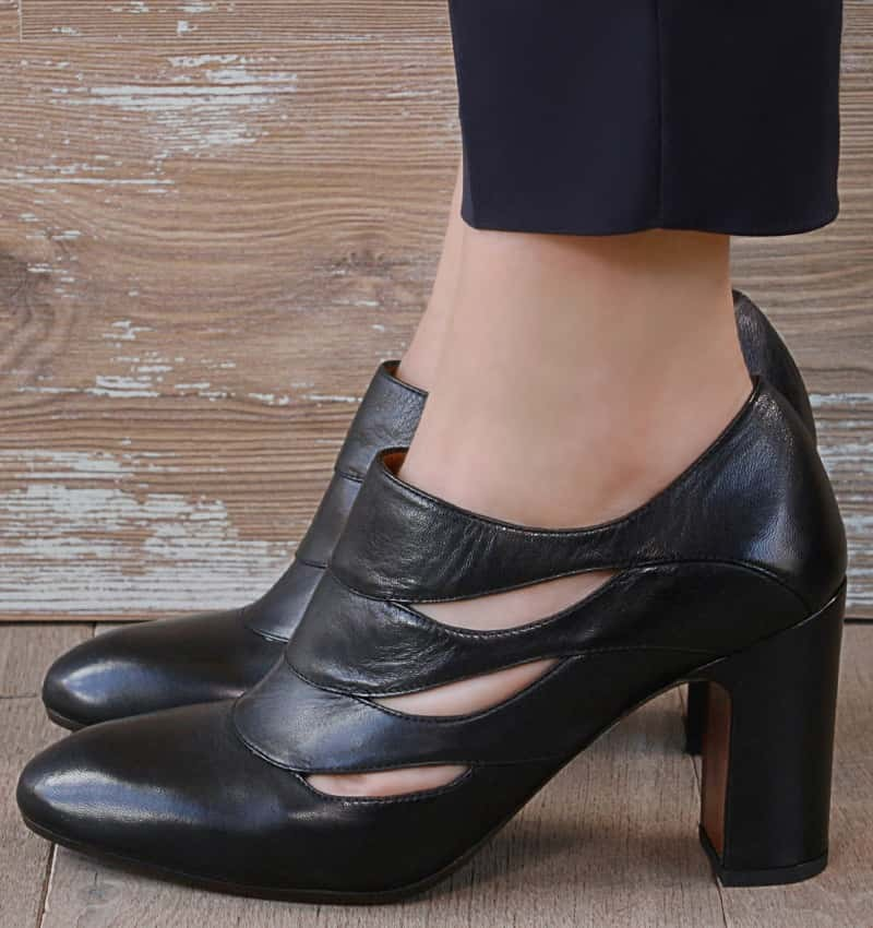 Dandy-Black Leather Bootie
