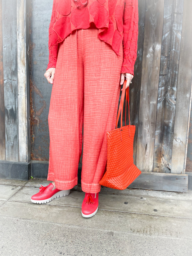 33200-Distressed Red Pants with elastic waist