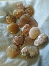 Load image into Gallery viewer, Flower Agate Palm Stones