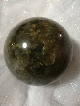 Load image into Gallery viewer, Labradorite Sphere