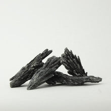 Load image into Gallery viewer, Kyanite Black Rough