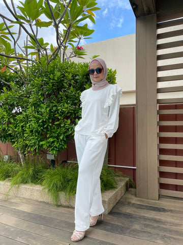 Iffah Pants in White (NEW!)