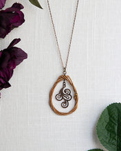 Load image into Gallery viewer, Teardrop Knot Necklace