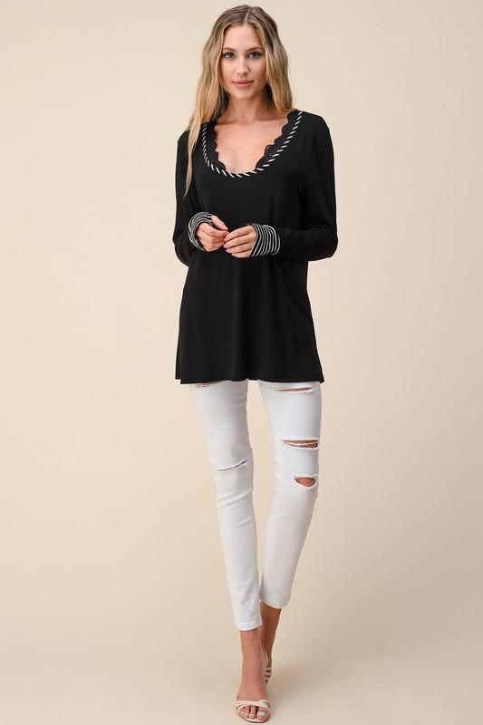 Rope You In Thumbhole Tee