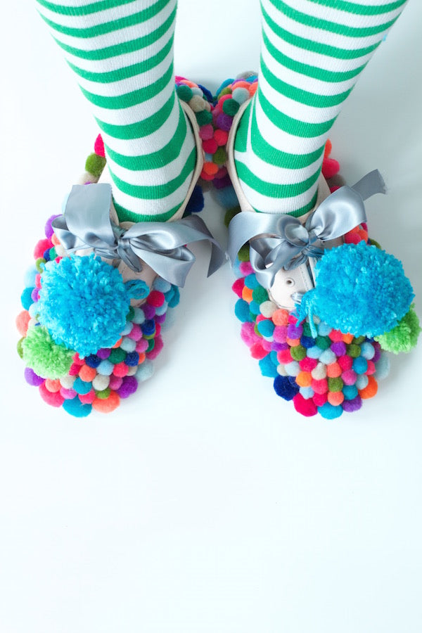 POM POM CLOWN SHOES