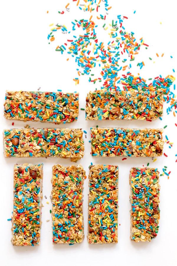 SPRINKLE GRANOLA BARS
