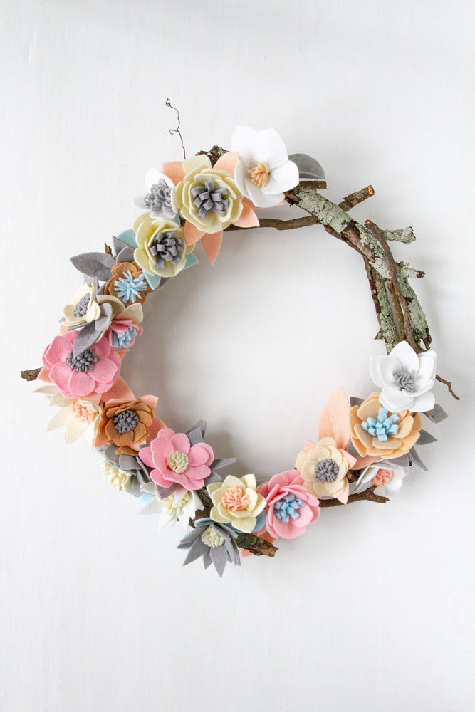 DIY: Felt Flower Wreath
