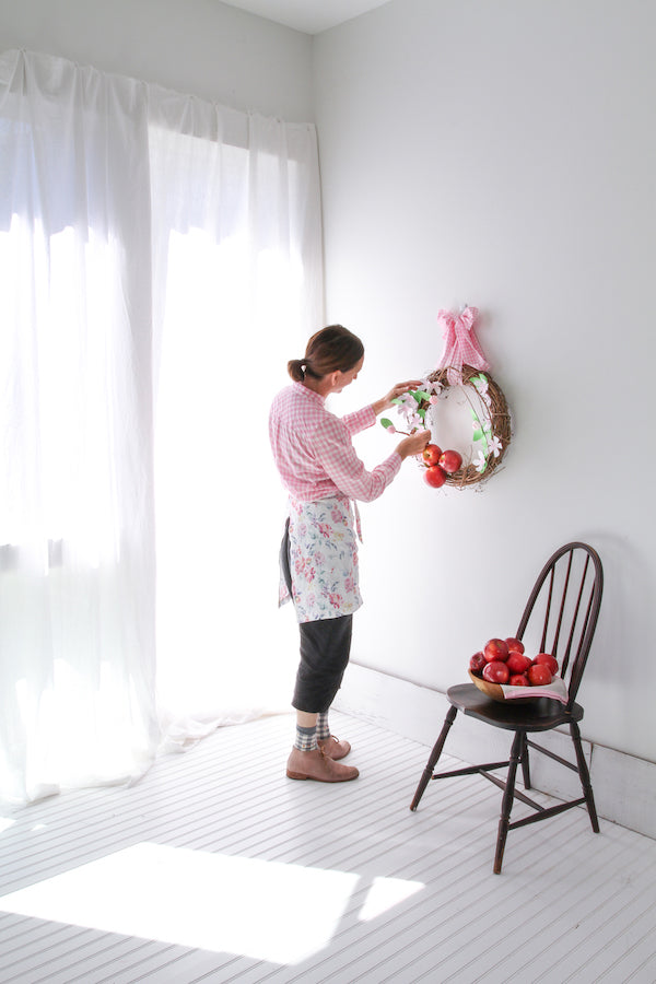 DIY: Paper Apple Blossom Wreath