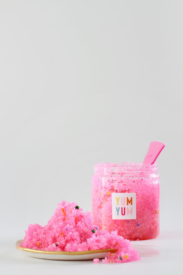 DIY: SPRINKLE SUGAR SCRUB