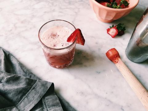 Strawberry Rhubarb Fizz