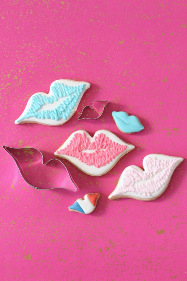 French Kiss Cookie Cutter Set
