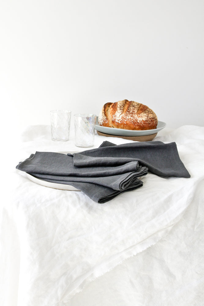 CHARCOAL LINEN NAPKIN SET (SET OF 4)