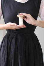 ATELIER APRON DRESS IN BLACK LINEN