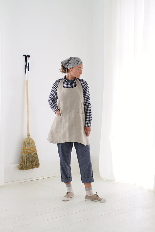 SHOPKEEP APRON IN FLAX LINEN