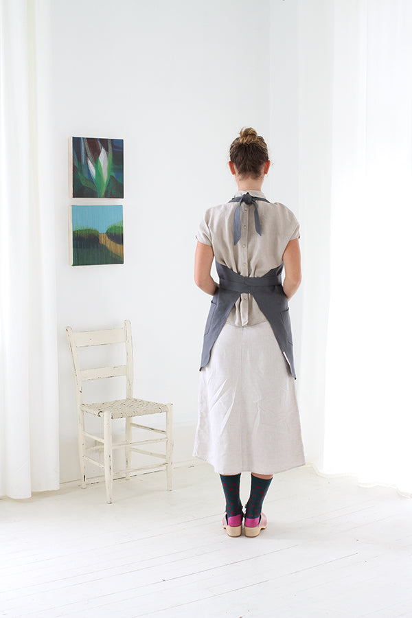 Shopkeep Apron in Deep Grey Linen