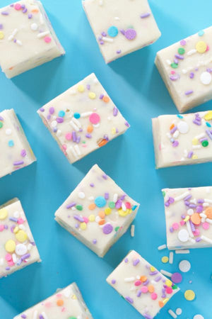 Yum Yum Bubble Gum Birthday Cake Sprinkle Fudge