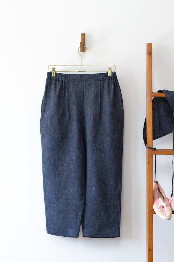 KITCHEN PANTS IN INDIGO CHAMBRAY LINEN