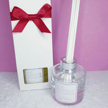 Load image into Gallery viewer, Christmas Reed Diffusers