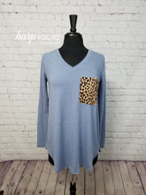 Load image into Gallery viewer, Long Sleeve V-Neck Leopard Pocket Top