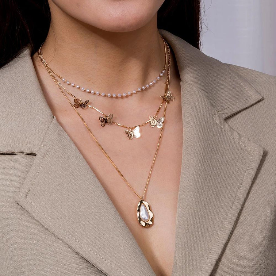 Pearls and Butterflies Necklace - AYAR FLORIST  - متجر ايار لتسيق الزهور