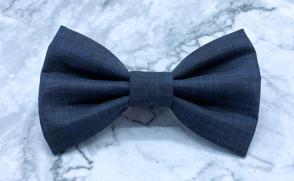Written in the Stars - Navy Linen Solid Bow Tie