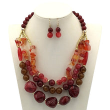 Load image into Gallery viewer, Ladies Beaded  Vintage Necklace