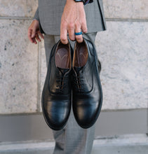 Load image into Gallery viewer, ZETONE Plain-Toe, Black Smooth