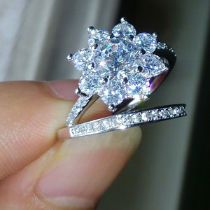 Dazzling Women Jewelry 925 Solid Sterling Silver Natural 5CT White Sapphire Diamond Flower Bridal Wedding Ring Set