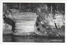 Load image into Gallery viewer, Vintage Photo Postcard - Pulpit Rock & Baby Grand Piano, Lower Dells, WI (AJ4)