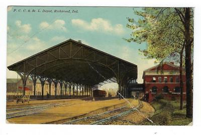 1914 USA Picture Postcard - PCC& St. L Depot, Richmond, IN (Creased) (AP96)