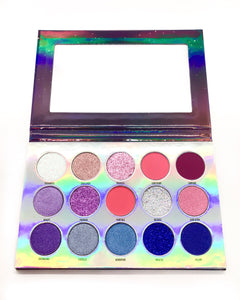 """DAYDREAM"" 15 PRESSED GLITTER AND EYE SHADOW PALETTE"