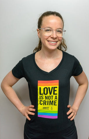 """LOVE IS NOT A CRIME"" T-Shirt Fitted"