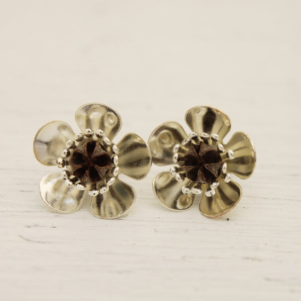 Manuka Flower Earrings - Silver