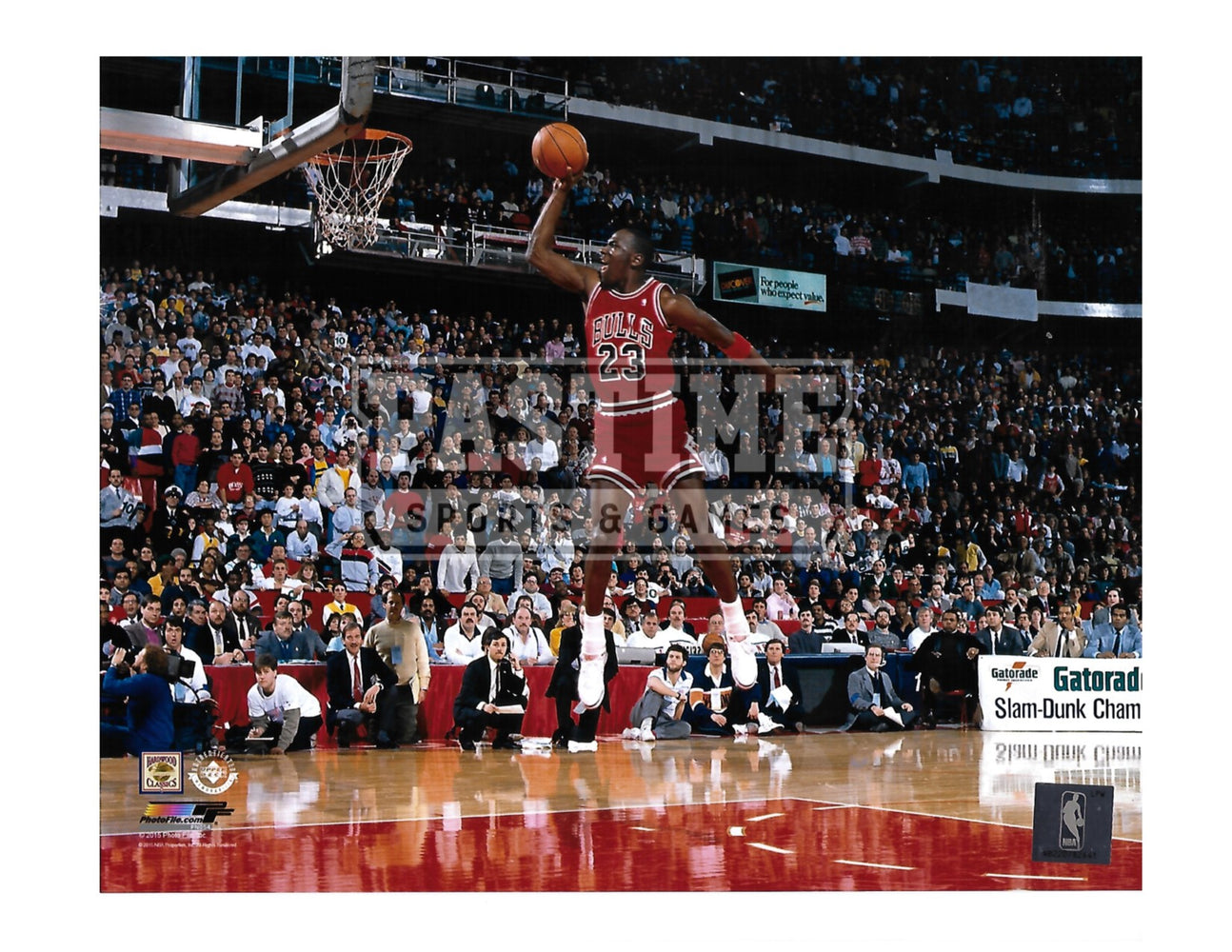 Michael Jordan 8X10 Chicago Bulls (Shooting ith Crowd In Background) - Pastime Sports & Games