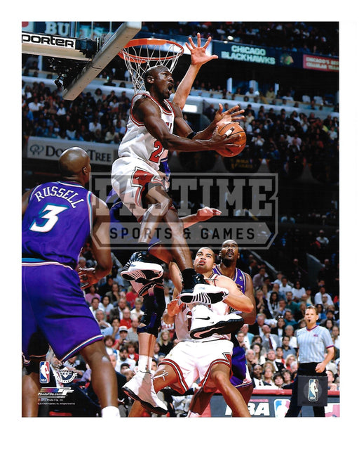 Michael Jordan 8X10 Chicago Bulls (In Flight With Ball) - Pastime Sports & Games