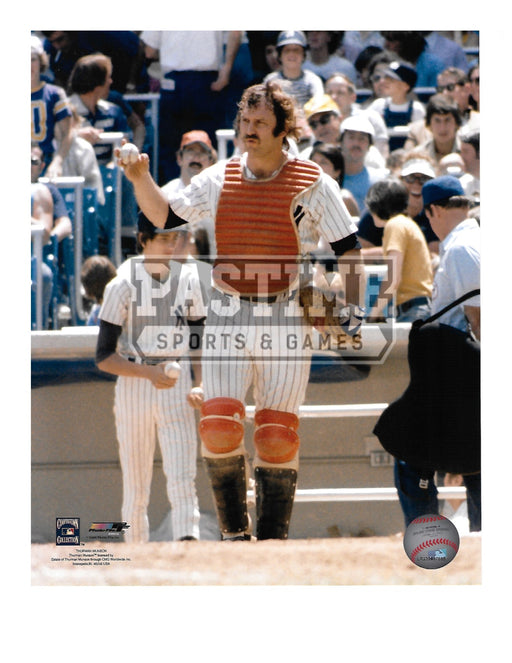 Thurman Munson 8X10 New York Yankees (Holding Ball) - Pastime Sports & Games