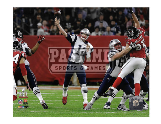 Tom Brady 8X10 New England Patriots Away Jersey (Throwing Ball) - Pastime Sports & Games