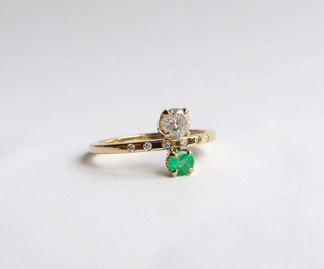 Nishi Diamond and Emerald Gold Ring